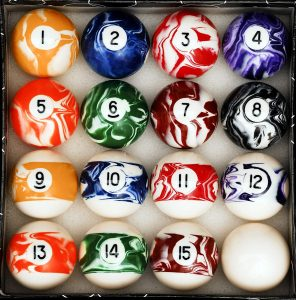 Iszy Marble Style billiards balls