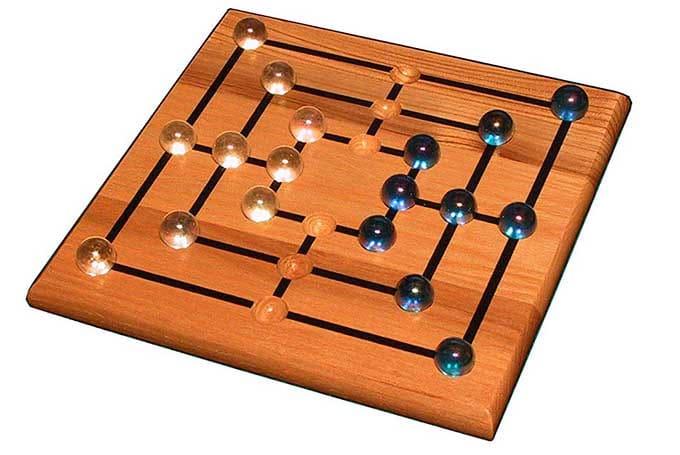 9 Men's Morris Game
