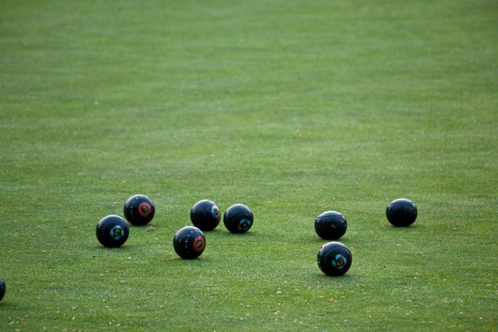 Lawn Bowling Guide