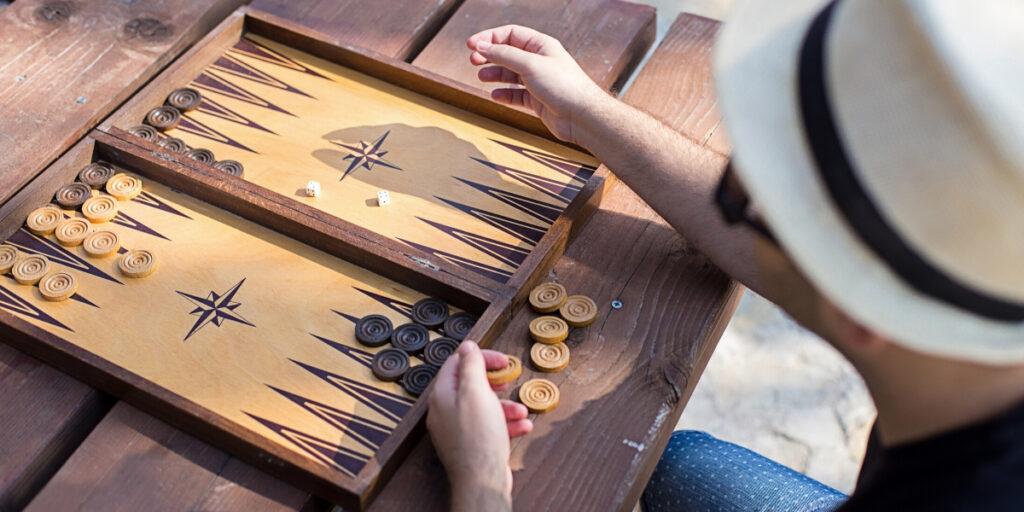 Play-Backgammon