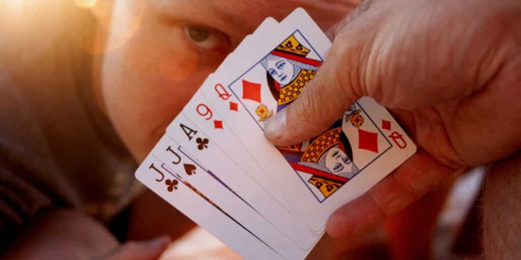 how to play euchre